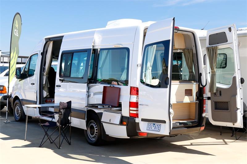 2015  Kea Nomad Mercedes-benz M700 2+1 Berth Thumbnail