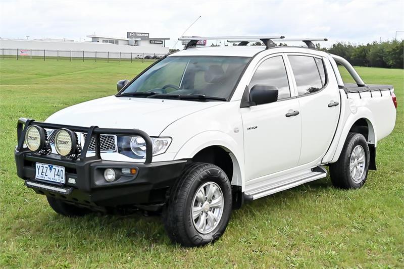 2012 Mitsubishi Triton Thumbnail